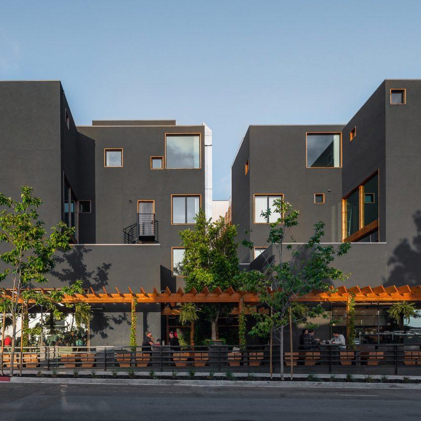Jeff Svitak Arranges San Diego Apartment Block Around Open