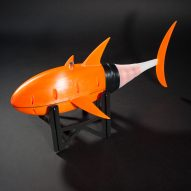 3D-printed robotic fish swims through water by mimicking the movement of a tuna
