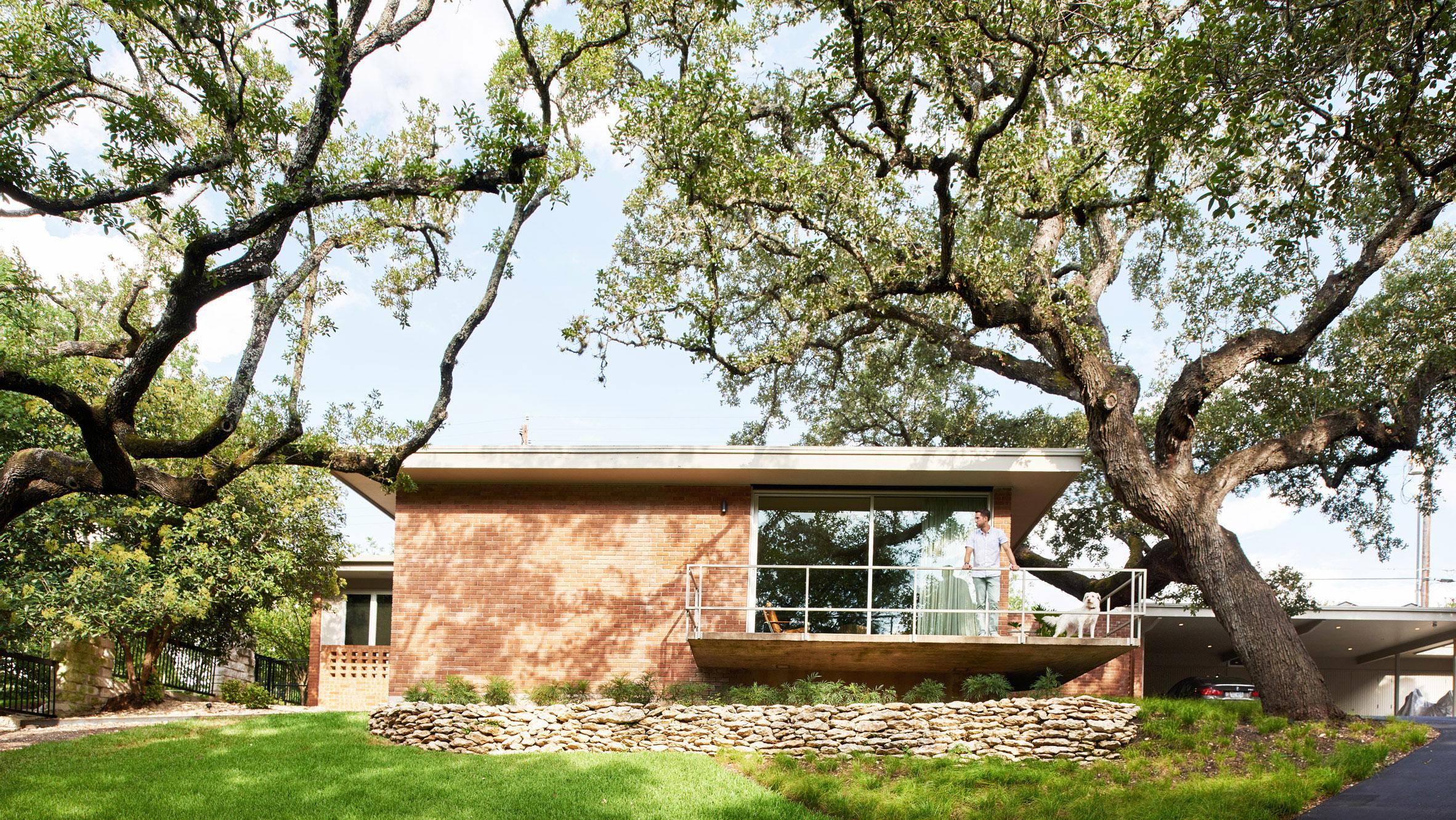 Clayton Little Updates Mid Century Balcones Residence In
