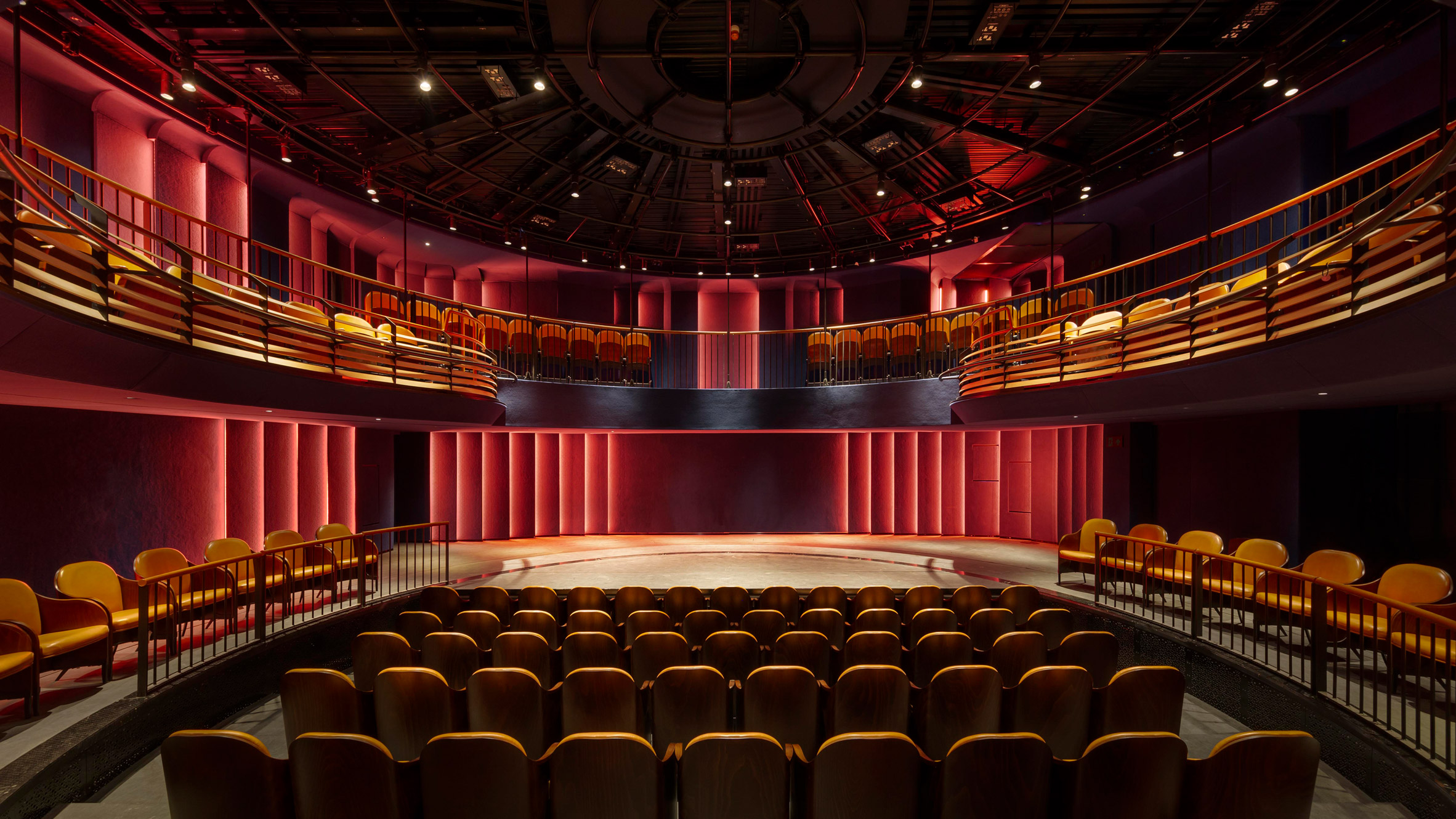 Boulevard Theatre In London By Soda Features A Revolving