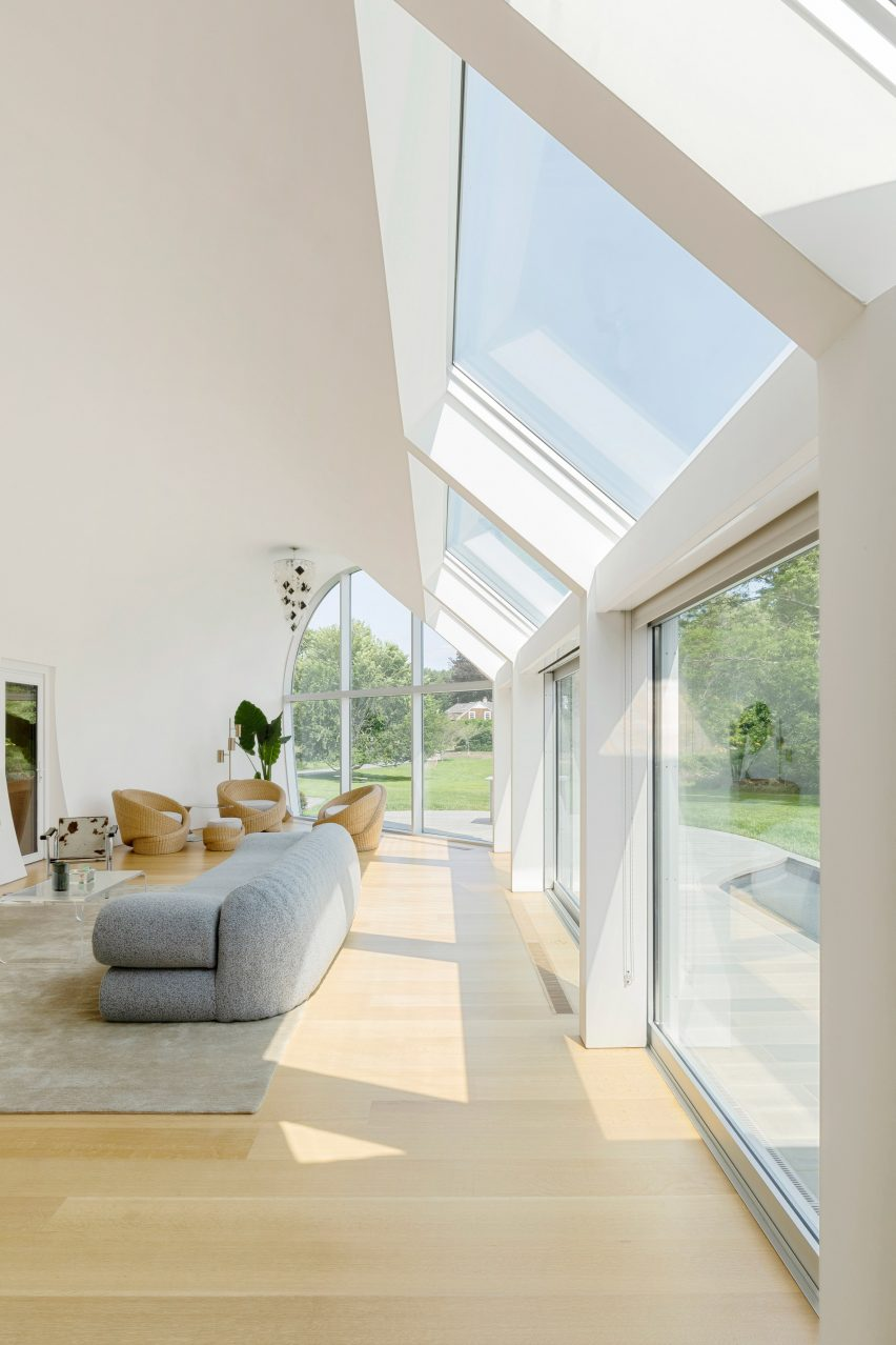 Cocoon Design Bank.Skylights Create Rainbows Inside Cocoon House By Nina Edwards Anker