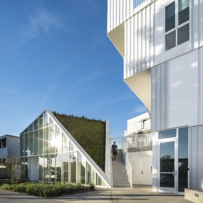 MLK1101 Supportive Housing by Lorcan O'Herlihy Architects (LOHA)