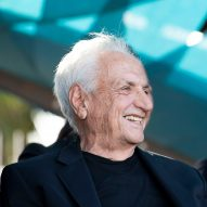 SCI-Arc awards Frank Gehry honorary masters degree in architecture