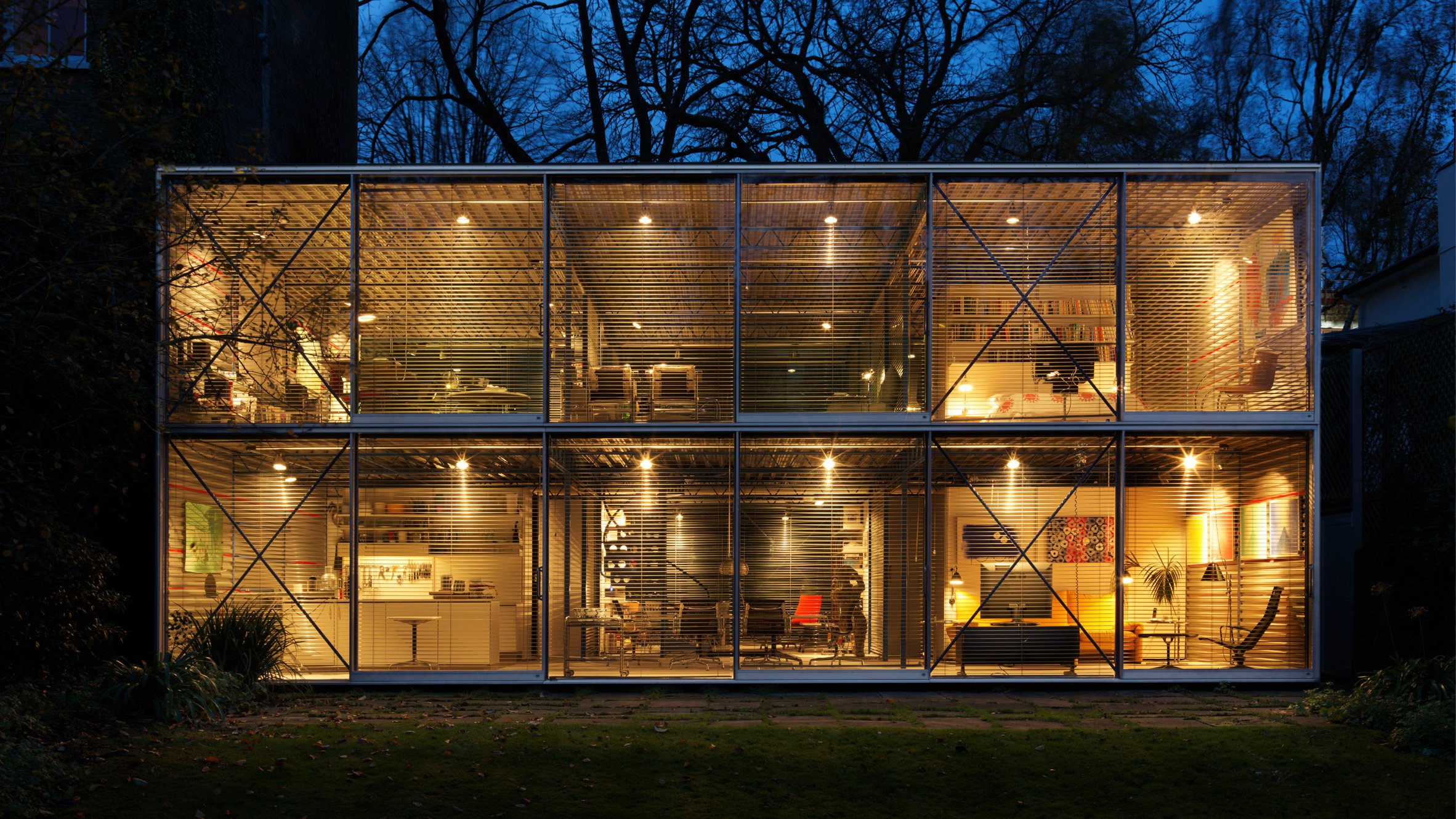 High-tech architecture: Michael and Patty Hopkins