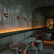 "Atelier Zébulon Perron designs ""sensual"" bar and restaurant at Montreal's Four Seasons hotel"