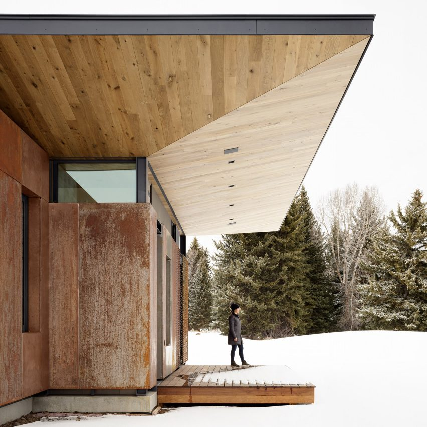 CLB situates Queen?s Lane Pavilion between two creeks on remote Wyoming site
