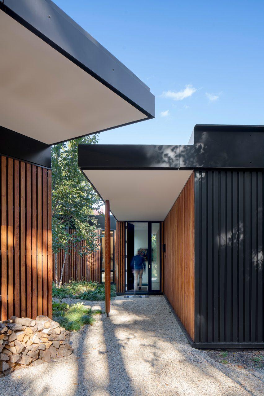 Ravine House by Wheeler Kearns