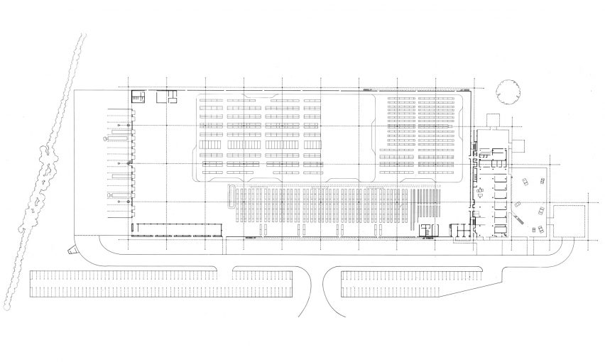 High-tech architecture: Renault Distribution Centre by Norman Foster