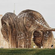 Digital models and augmented reality used to build twisting pavilion in Tallinn