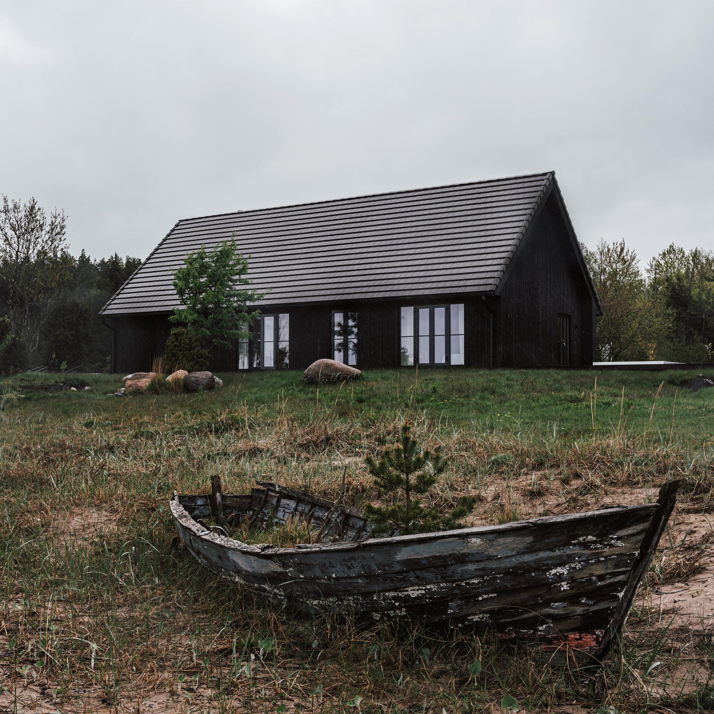 Summer House by Hanna Kartis