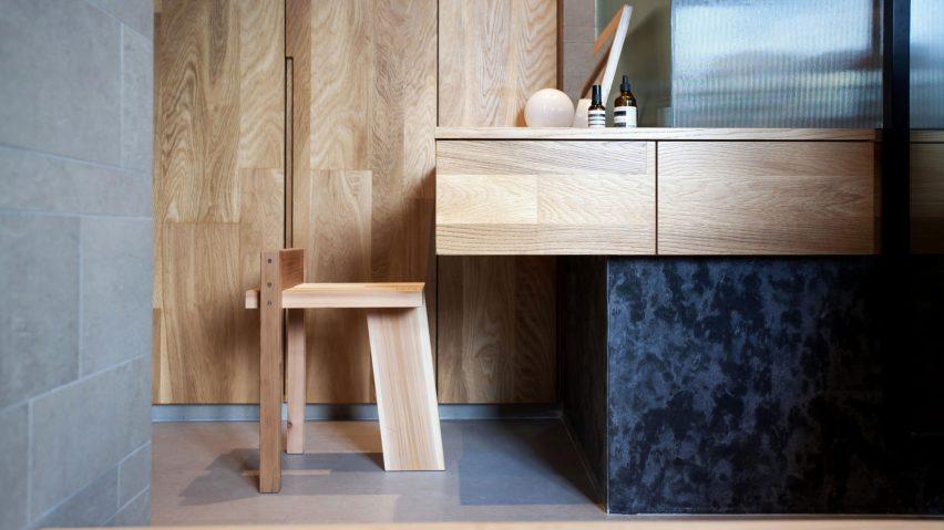 Tripodal stool by Studio Adjective