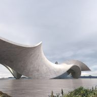 Twine house is topped by a twisting continuous concrete slab