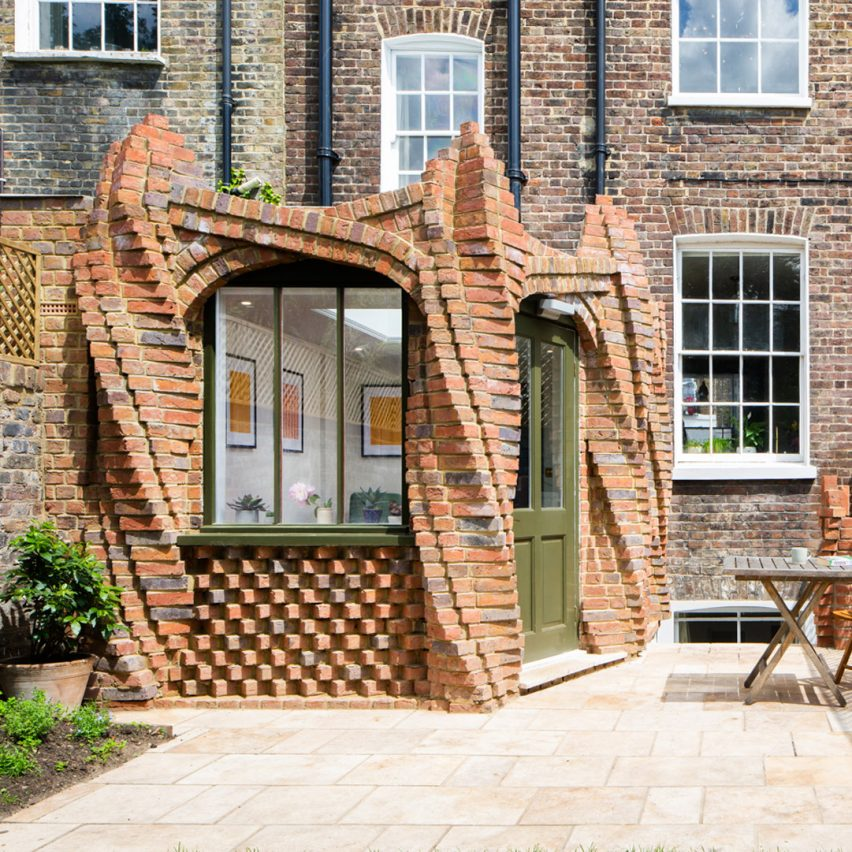 Twist House extension by Urban Mesh