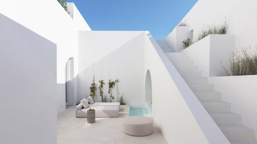 Two holiday residences in Fira by Kapsimalis Architects