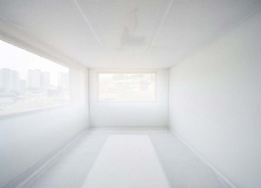"ArchiWorkshop's ""funeral for a house"" installation examines Seoul's redevelopment procedures"
