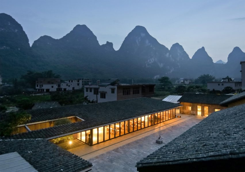 XY Yunlu Hotel by Atelier Liu Yuyang