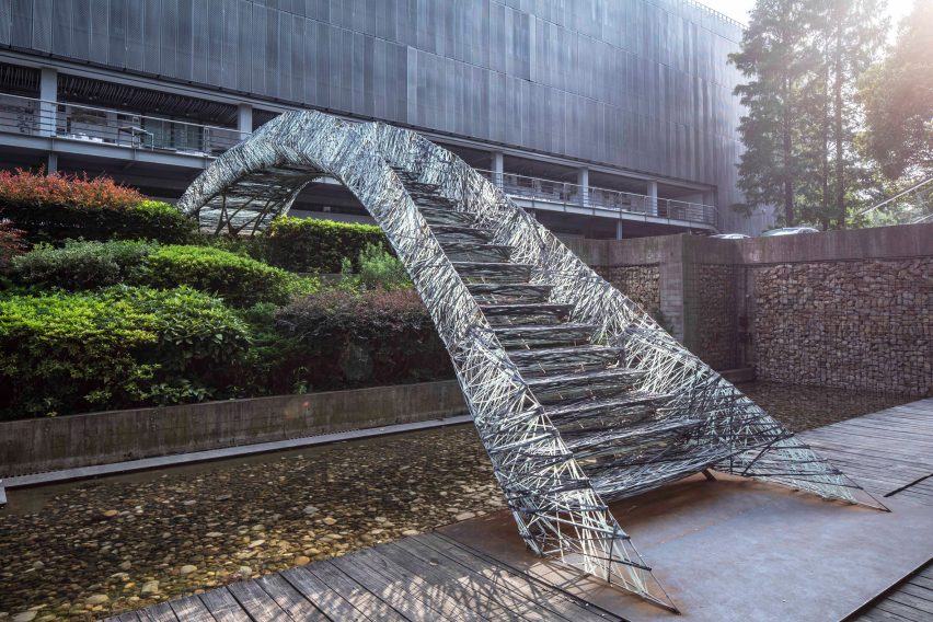 Tongji University 3D printed bridge by students at digitalFutures International 2019