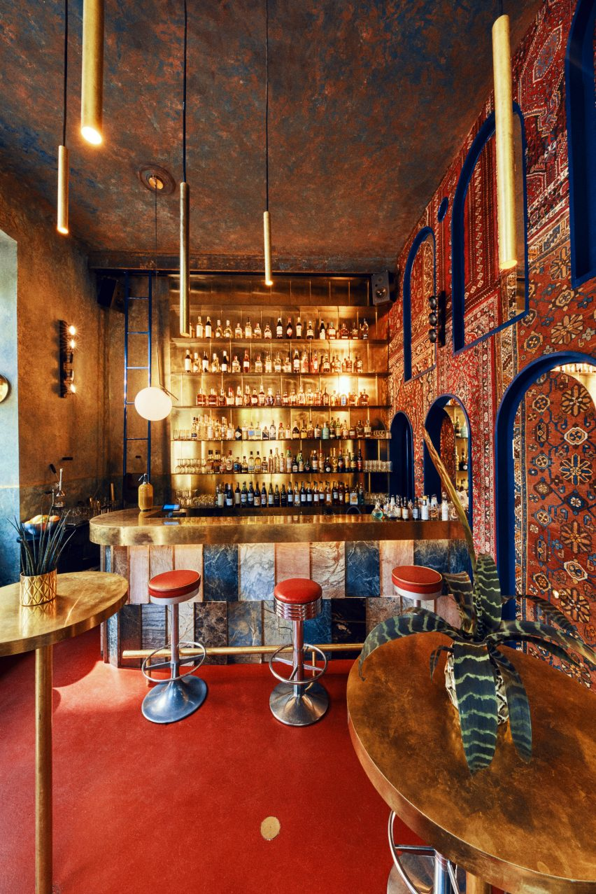 Aura cocktail bar, Warsaw, designed by Kacper Gronkiewicz