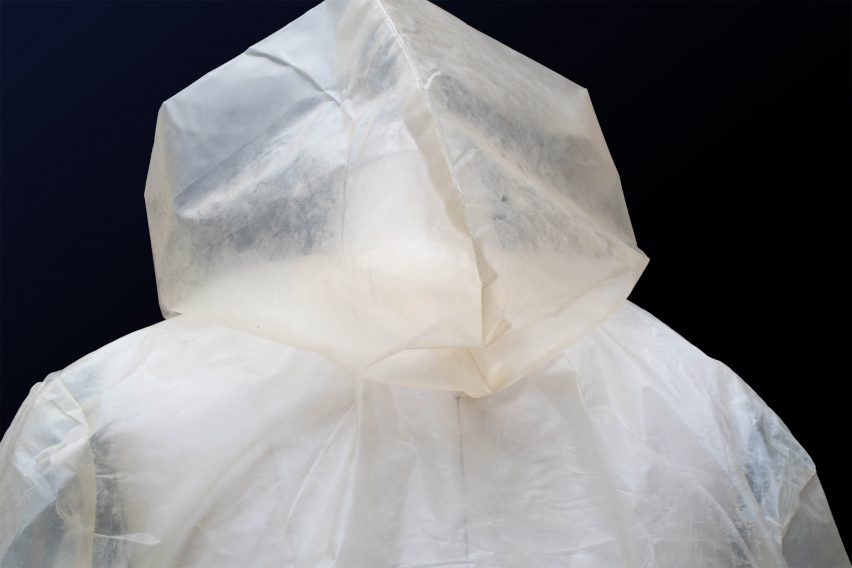 Charlotte McCurdy creates carbon negative raincoat from algae plastic