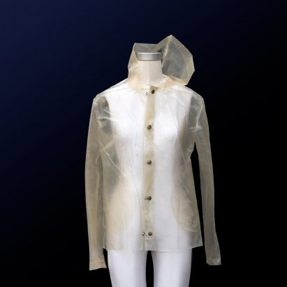 Charlotte McCurdy creates carbon negative raincoat from algae plastic