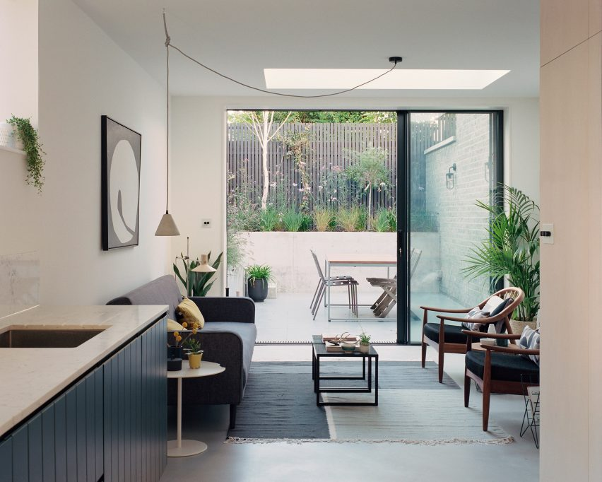 Corner House by 31/44 Architects living room