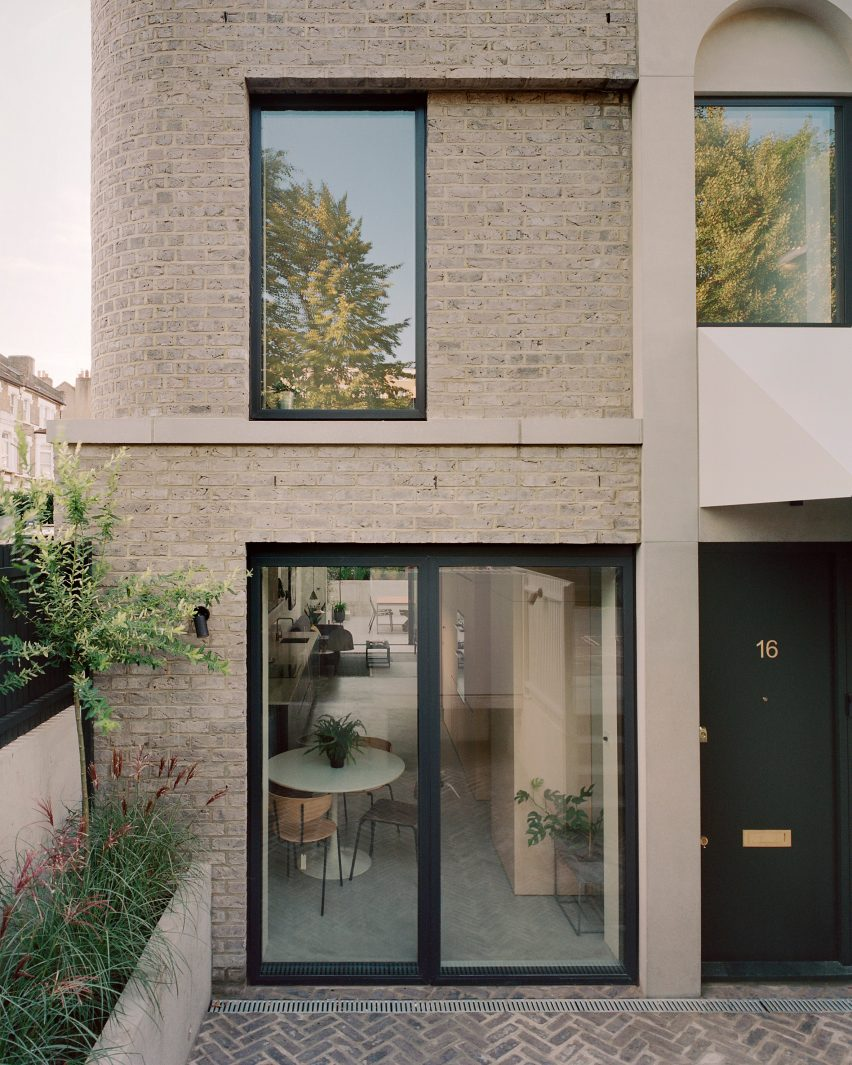 Corner House by 31/44 Architects facade