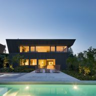 Deep Cove House by D'Arcy Jones Architects