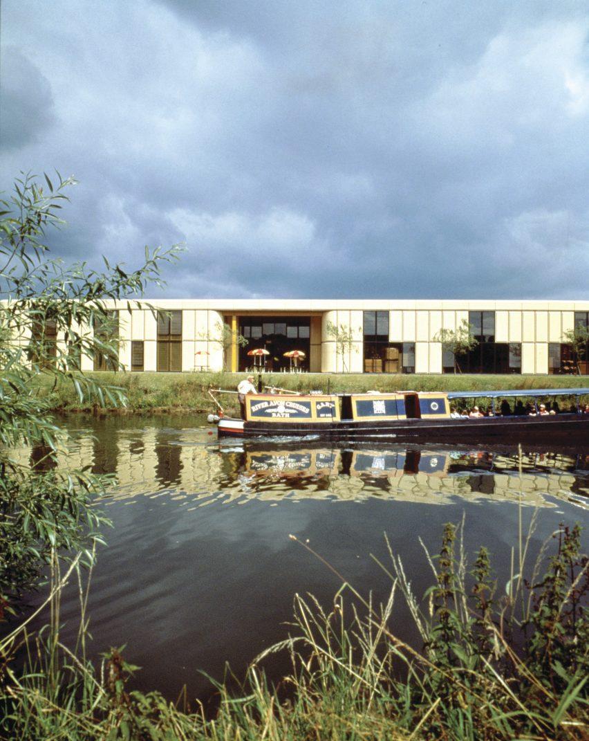 Herman Miller Factory in Bath by Grimshaw Farrell Partnership