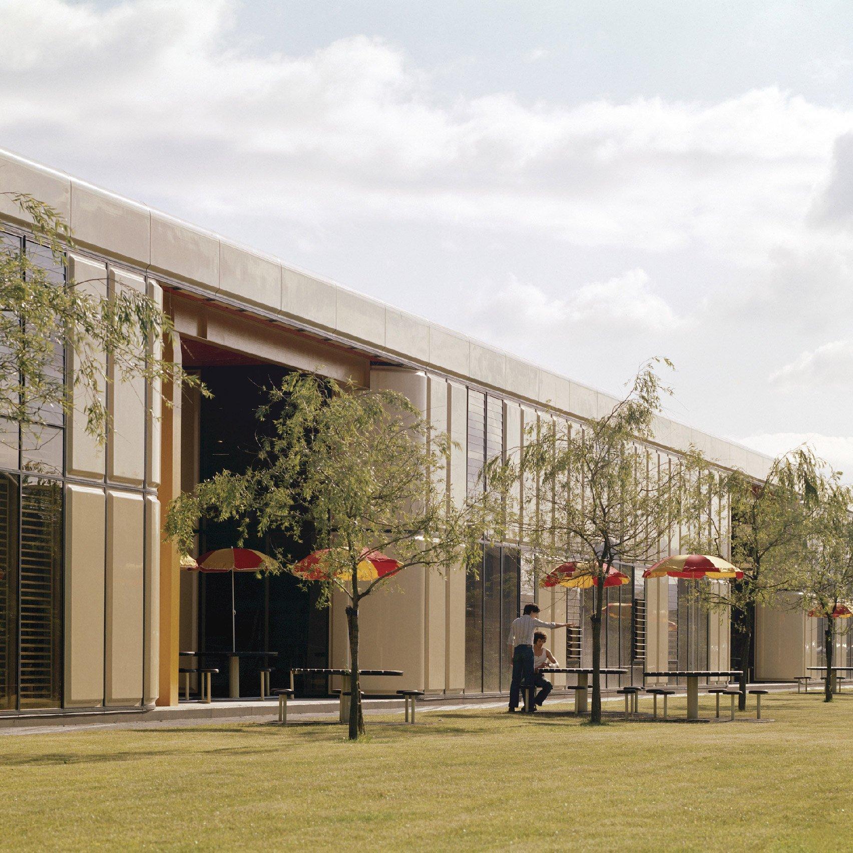 High-tech buildings: Herman Miller Factory in Bath by Grimshaw Farrell Partnership