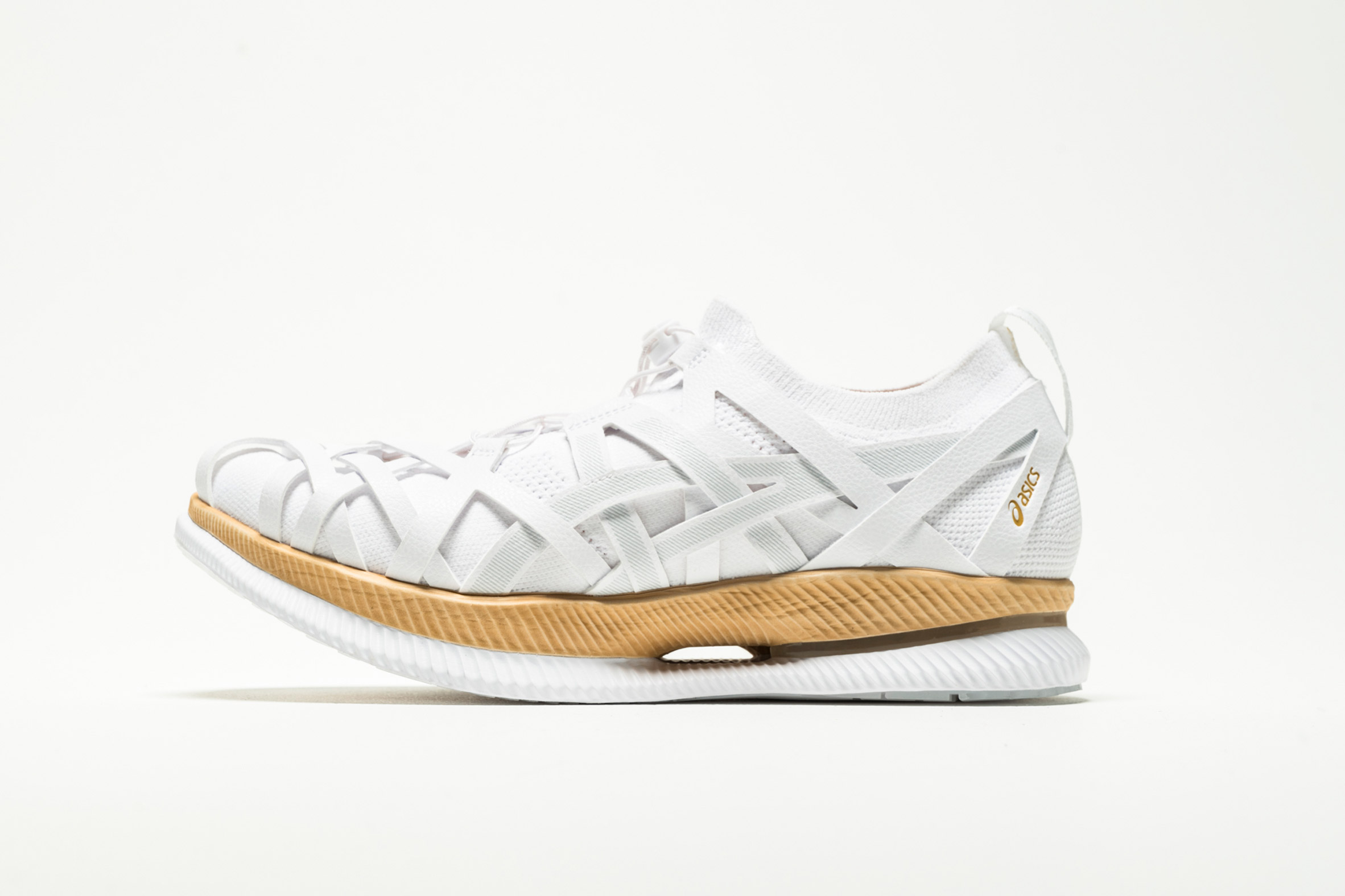 Kengo Kuma unveils first ever trainer design for Asics