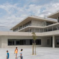 Pazdigrad Primary School by x3m