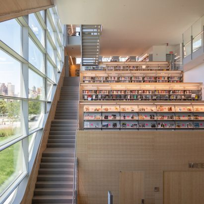 Hunters Point Library by Steven Holl Architects criticism