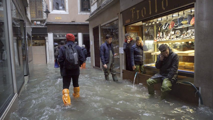Homo Urbanus by Bêka & Lemoine shows Venice floods in shops