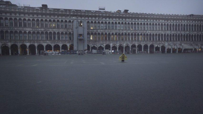 Homo Urbanus by Bêka & Lemoine shows Venice floods in St Mark's Square