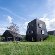 Hidden corridor connects different parts of Dutch homestead by Mecanoo