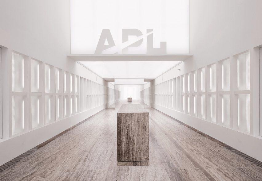 APL store LA