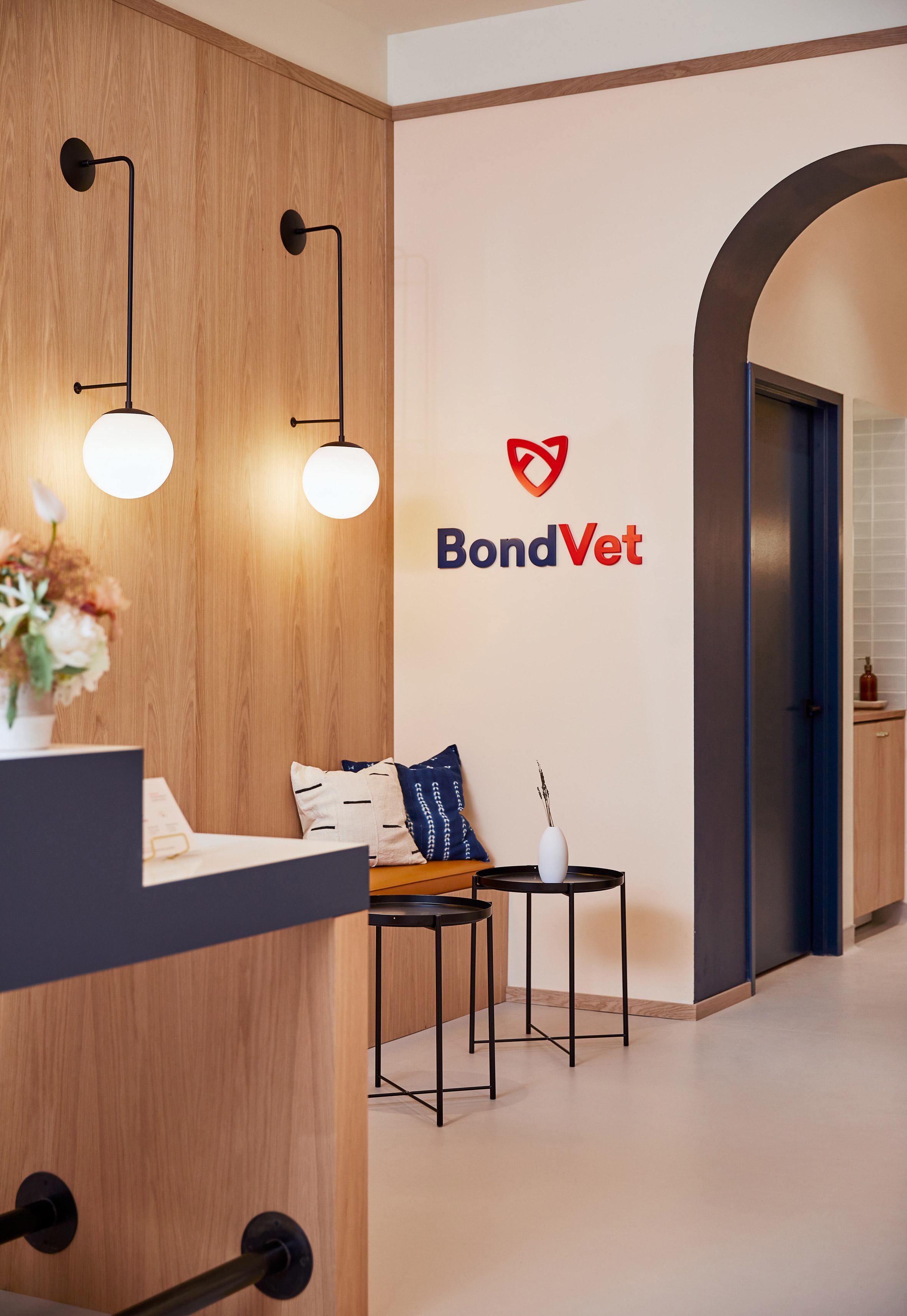 Bond Vet by Islyn Studio