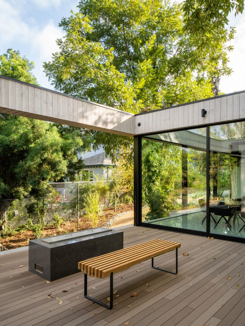 Bridge House by Dan Brunn Architecture