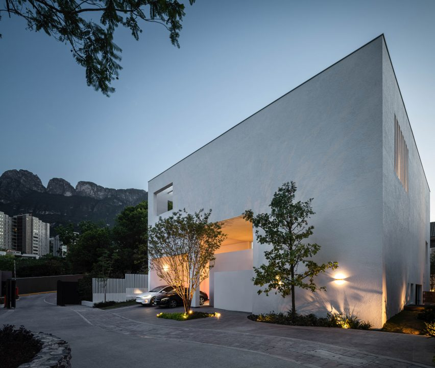 Casa Ombra by Cadaval and Sola Morales