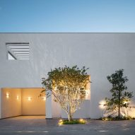 Cadaval & Solà-Morales creates all-white cubic home in Monterrey