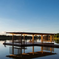 "Bruno Rossi designs ""floating pavilion"" for Brazilian lake"
