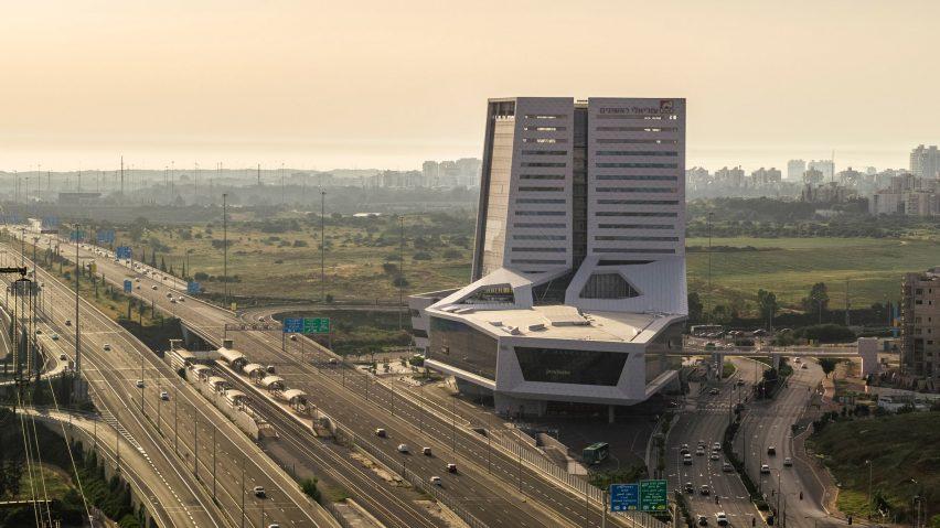 Rishonim Center by Mann Shinar Architects