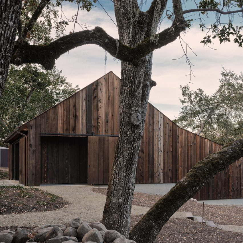 Faulkner Architects converts barn in California's wine country into minimal bunkhouse