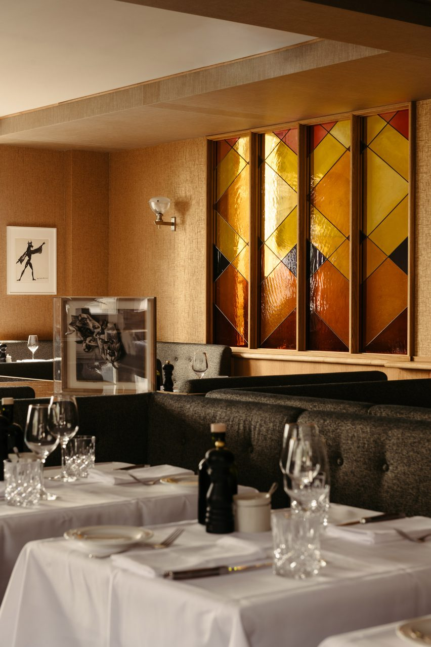 Le Petit Royal Frankfurt restaurant with stained glass window by Paul Hance