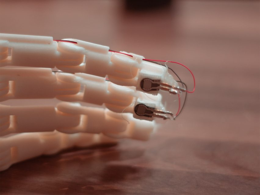 Lorenzo Spreafico's 3D-printed prosthetic gives tactile feedback at low cost