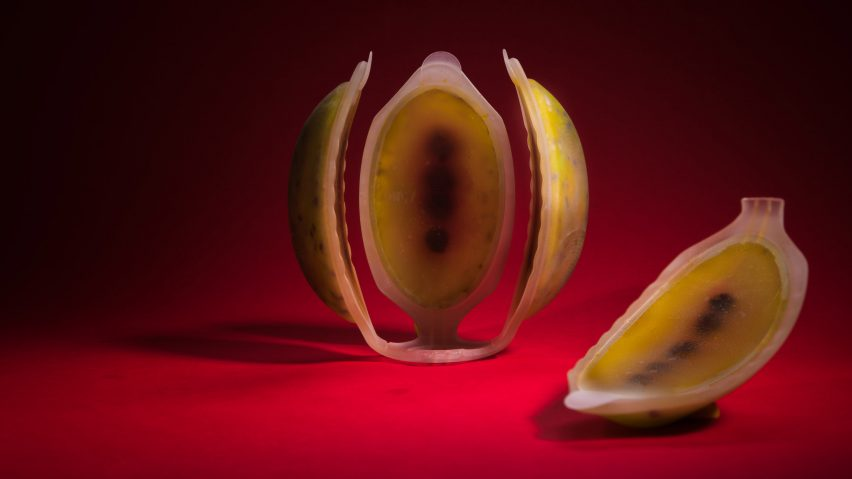 Meydan Levy 4D-prints edible fruit using cellulose and nutrient liquids