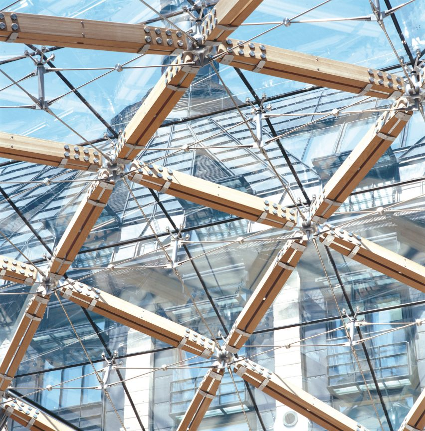 High-tech architecture guide: Portcullis House by Michael Hopkins