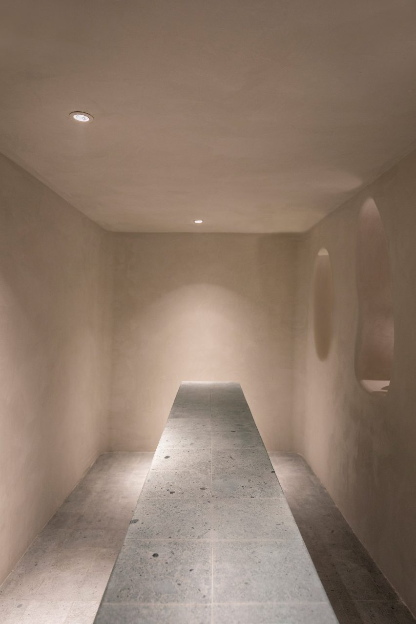 Single Person gallery in Shanghai by Offhand Practice