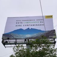"Daan Roosegaarde and design students create a ""smog-eating billboard"" in Mexico"
