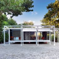 Paul Rudolph's Walker Guest House in coastal Florida goes up for auction
